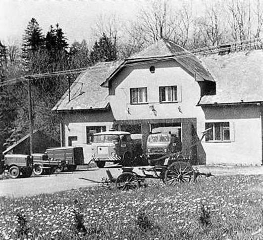 Požární zbrojnice postavena v letech 1955-58